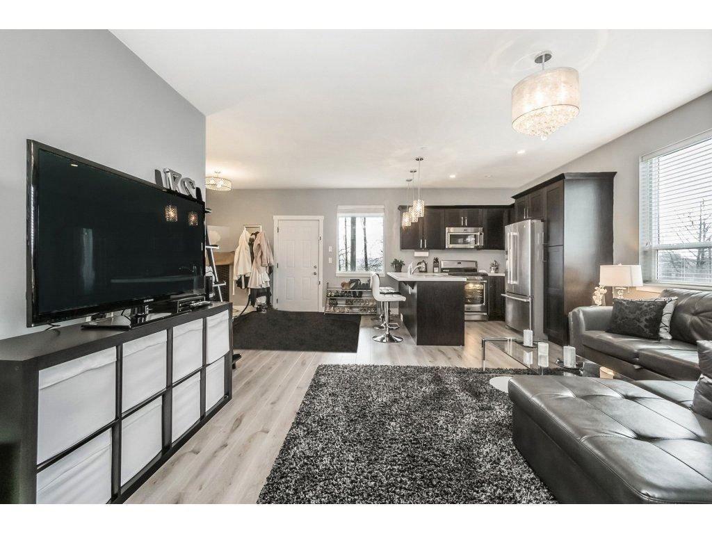 "Photo 13: Photos: 20656 MAPLE Crescent in Maple Ridge: Southwest Maple Ridge House for sale in ""Riverside Estates"" : MLS®# R2243756"
