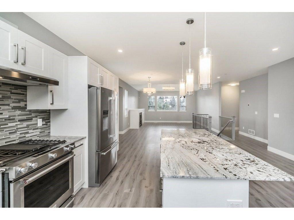"Photo 7: Photos: 20656 MAPLE Crescent in Maple Ridge: Southwest Maple Ridge House for sale in ""Riverside Estates"" : MLS®# R2243756"