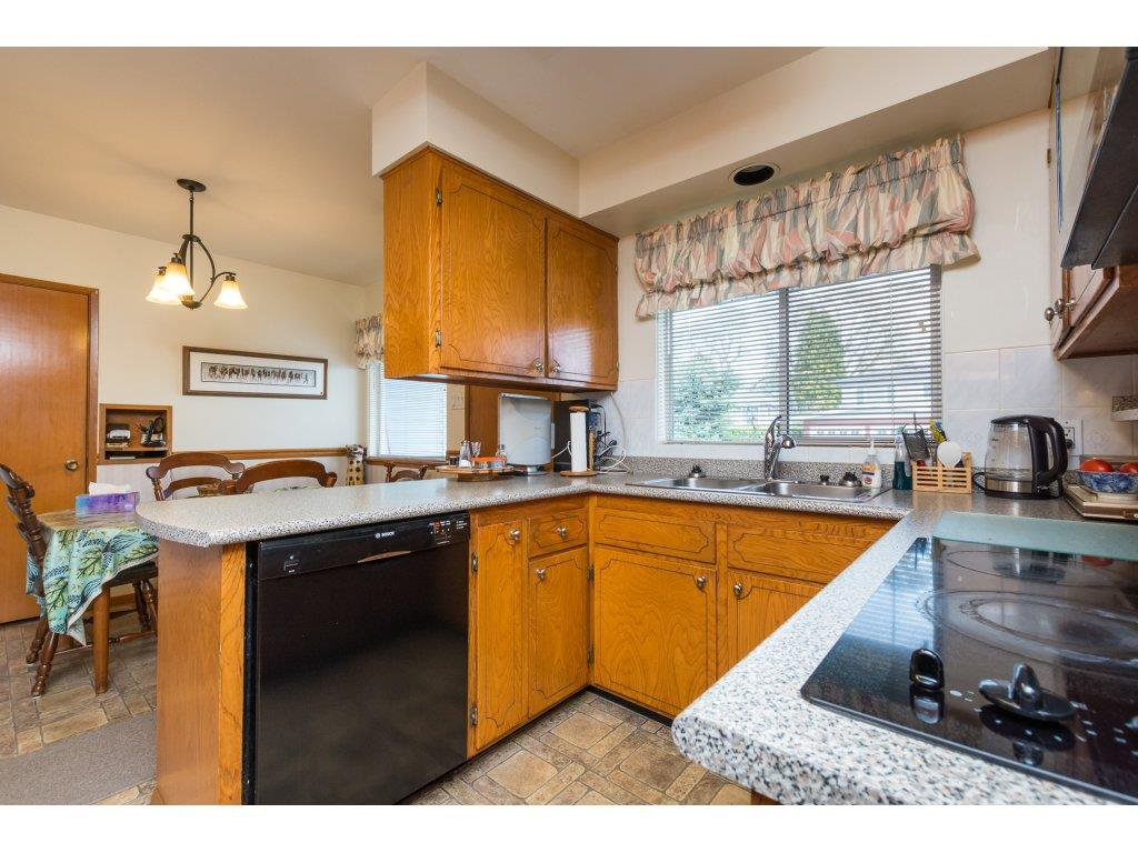 Photo 10: Photos: 15511 PACIFIC Avenue: White Rock House for sale (South Surrey White Rock)  : MLS®# R2257101