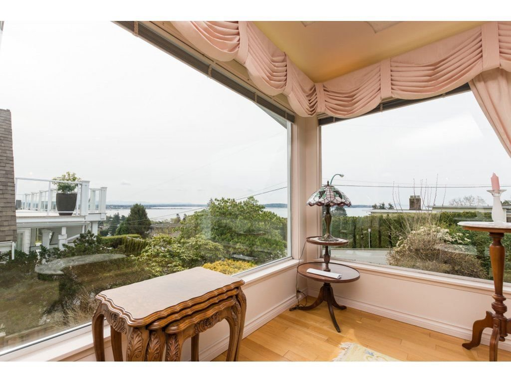 Photo 5: Photos: 15511 PACIFIC Avenue: White Rock House for sale (South Surrey White Rock)  : MLS®# R2257101