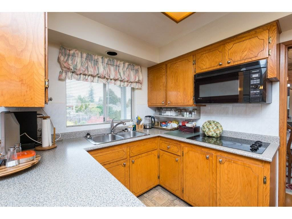 Photo 9: Photos: 15511 PACIFIC Avenue: White Rock House for sale (South Surrey White Rock)  : MLS®# R2257101