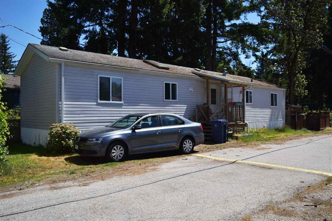 Main Photo: 19 4514 SUNSHINE COAST Highway in Sechelt: Sechelt District Manufactured Home for sale (Sunshine Coast)  : MLS®# R2270979