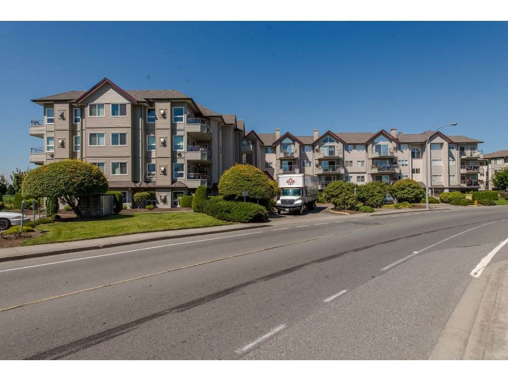 "Main Photo: 105 45520 KNIGHT Road in Sardis: Sardis West Vedder Rd Condo for sale in ""MORNINGSIDE"" : MLS®# R2287561"