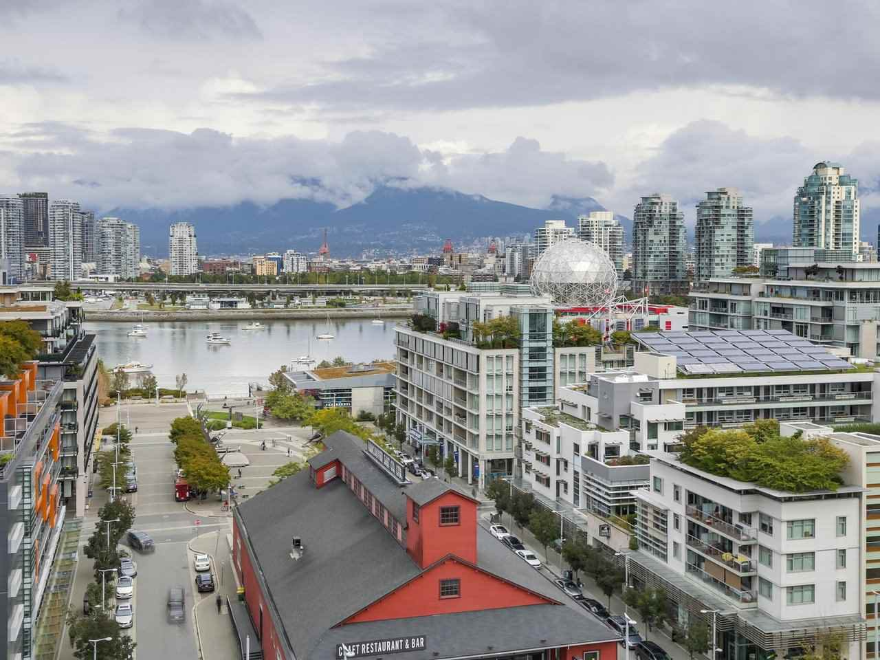 """Main Photo: 1603 1783 MANITOBA Street in Vancouver: False Creek Condo for sale in """"The West"""" (Vancouver West)  : MLS®# R2308129"""