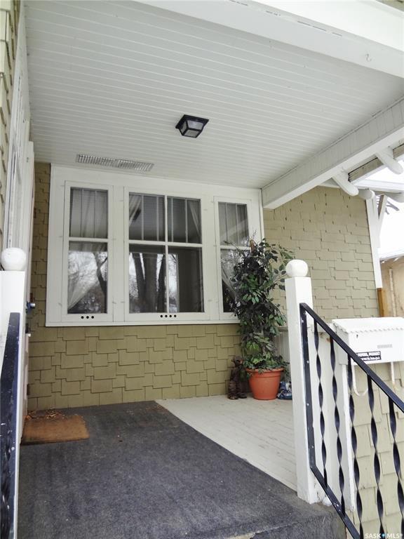 Photo 2: Photos: 905 TEMPERANCE Street in Saskatoon: Nutana Residential for sale : MLS®# SK760349
