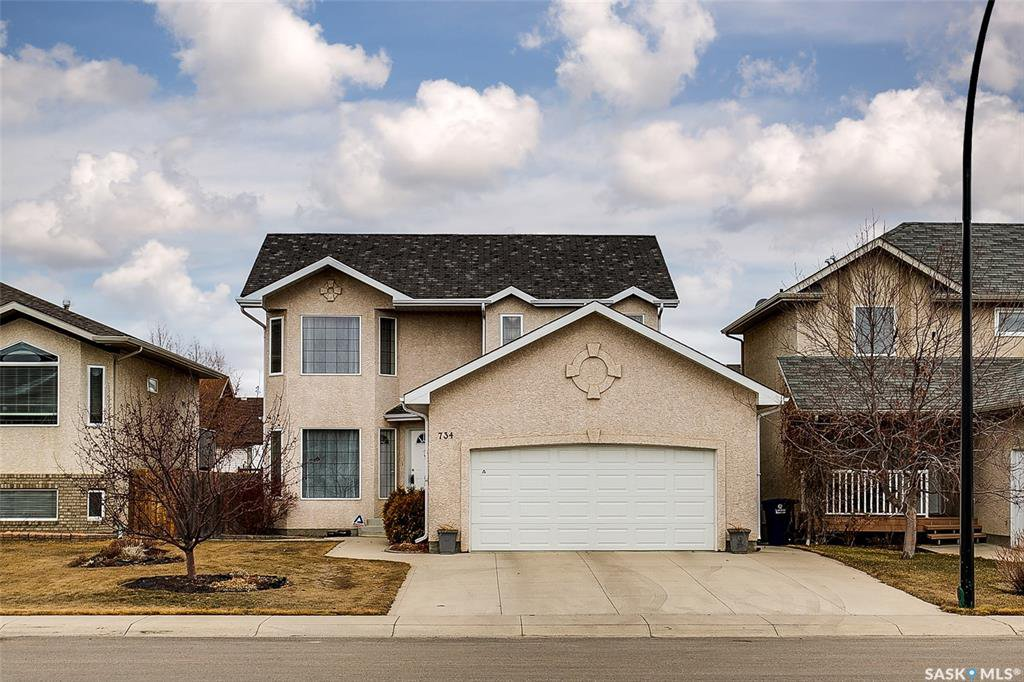 Main Photo: 734 GREAVES Crescent in Saskatoon: Willowgrove Residential for sale : MLS®# SK763931