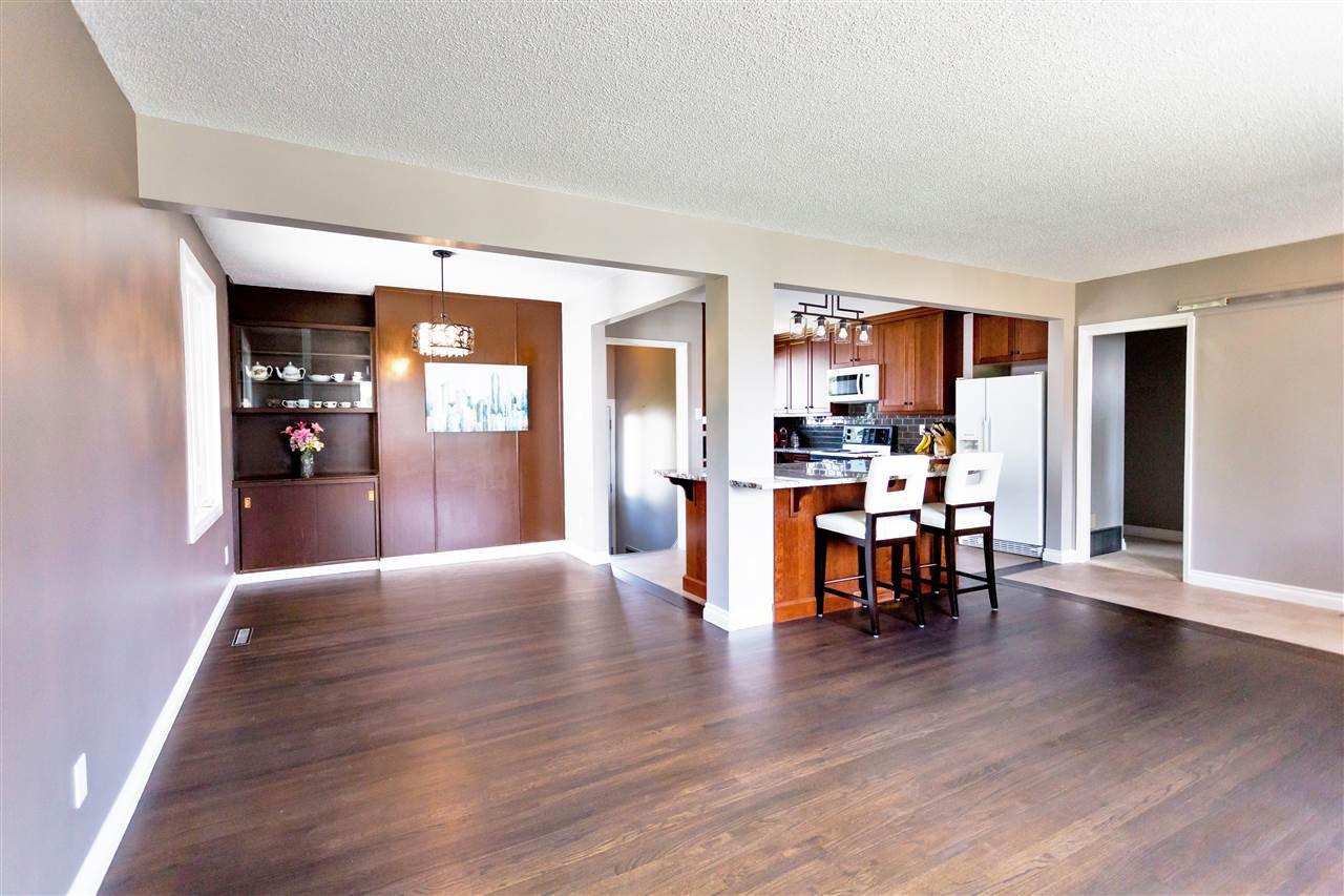 Main Photo: 5304 92 Avenue in Edmonton: Zone 18 House for sale : MLS®# E4161855