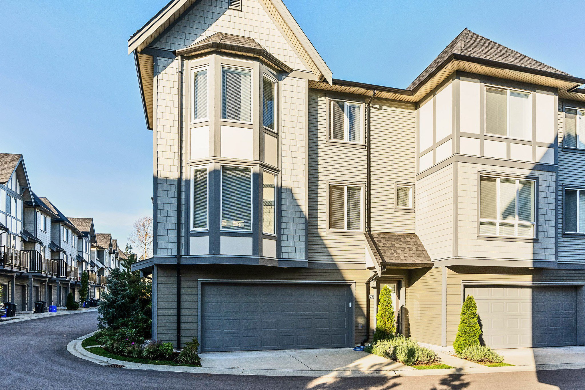 "Main Photo: 75 8138 204 Street in Langley: Willoughby Heights Townhouse for sale in ""Ashbury and Oak"" : MLS®# R2416168"