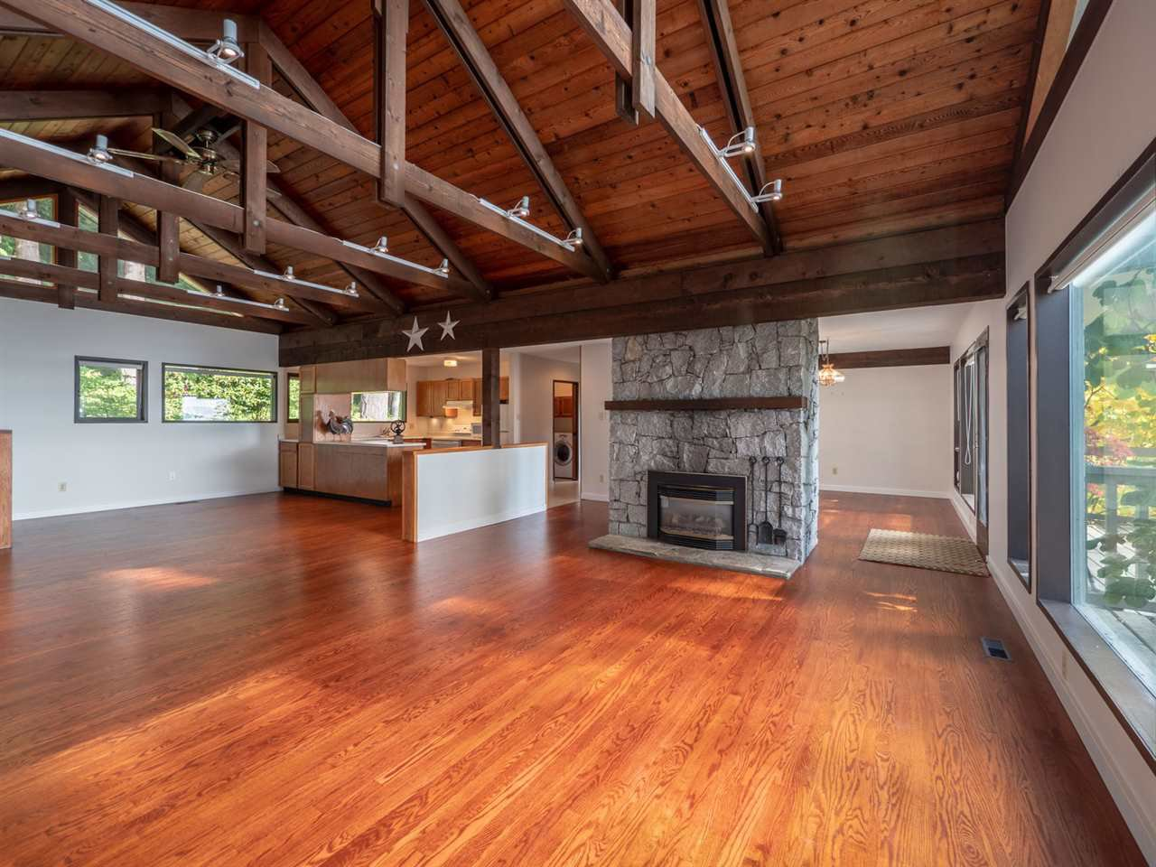 Photo 10: Photos: 877 GOWER POINT Road in Gibsons: Gibsons & Area House for sale (Sunshine Coast)  : MLS®# R2419918