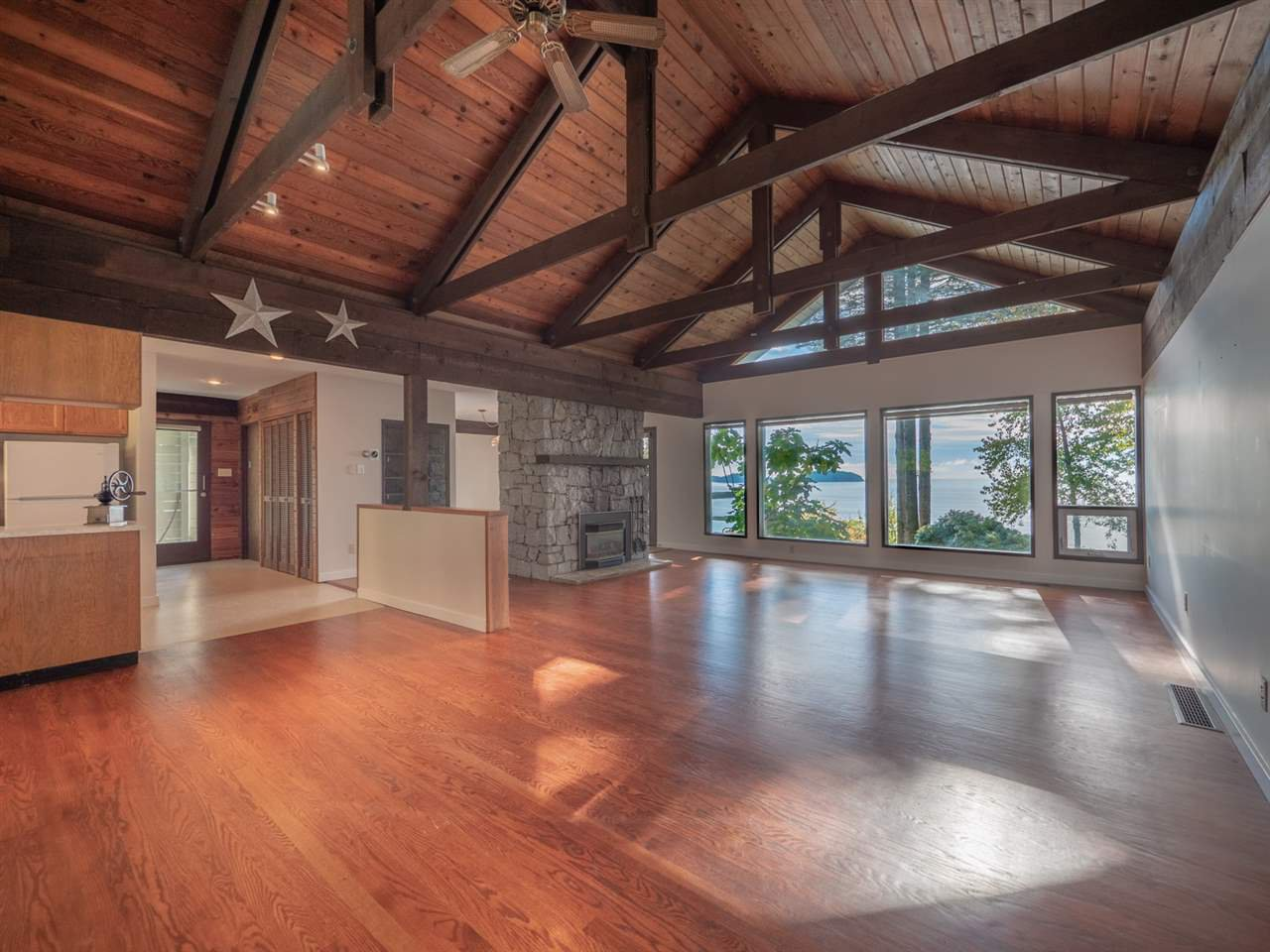 Photo 14: Photos: 877 GOWER POINT Road in Gibsons: Gibsons & Area House for sale (Sunshine Coast)  : MLS®# R2419918