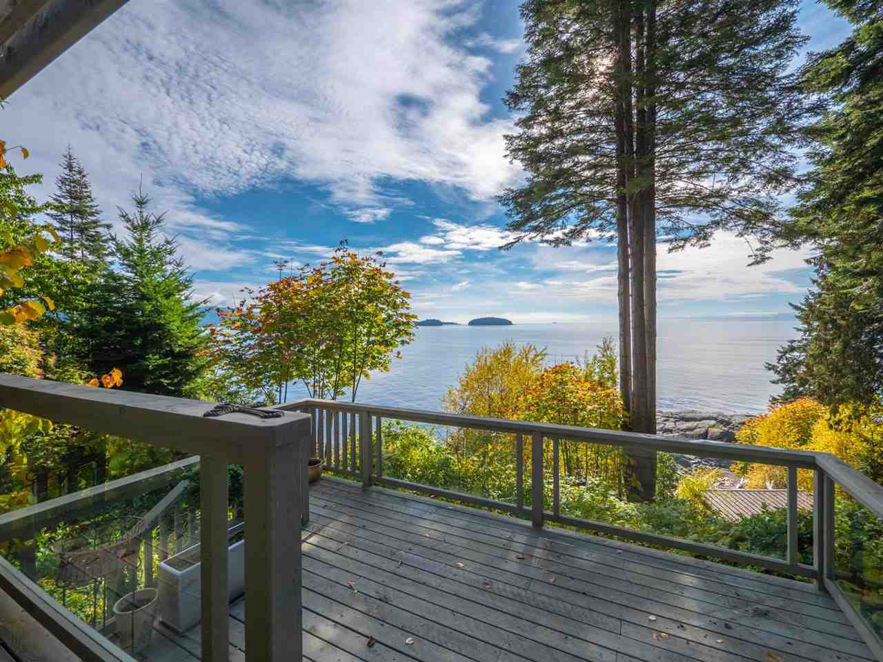 Photo 1: Photos: 877 GOWER POINT Road in Gibsons: Gibsons & Area House for sale (Sunshine Coast)  : MLS®# R2419918