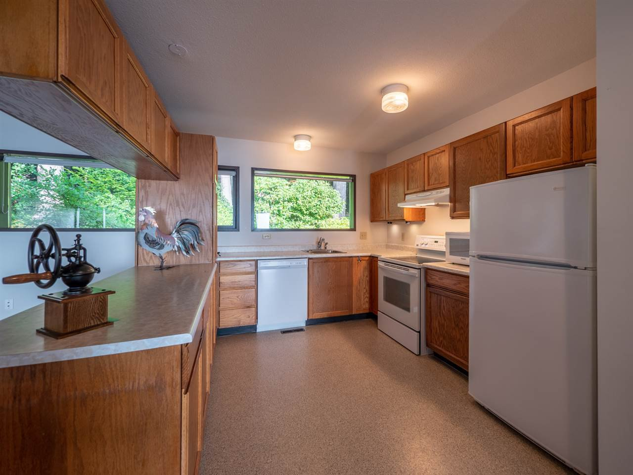 Photo 15: Photos: 877 GOWER POINT Road in Gibsons: Gibsons & Area House for sale (Sunshine Coast)  : MLS®# R2419918