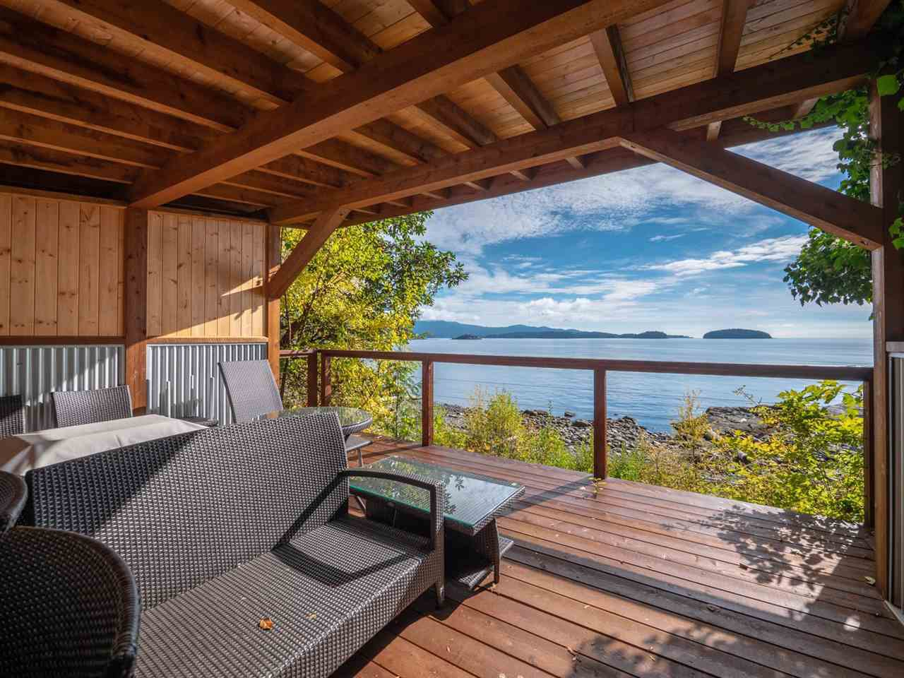Photo 3: Photos: 877 GOWER POINT Road in Gibsons: Gibsons & Area House for sale (Sunshine Coast)  : MLS®# R2419918
