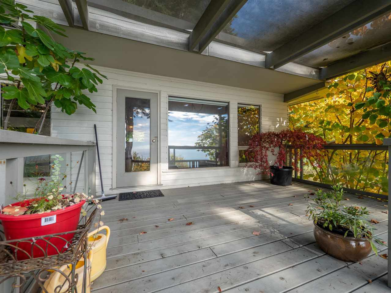 Photo 6: Photos: 877 GOWER POINT Road in Gibsons: Gibsons & Area House for sale (Sunshine Coast)  : MLS®# R2419918