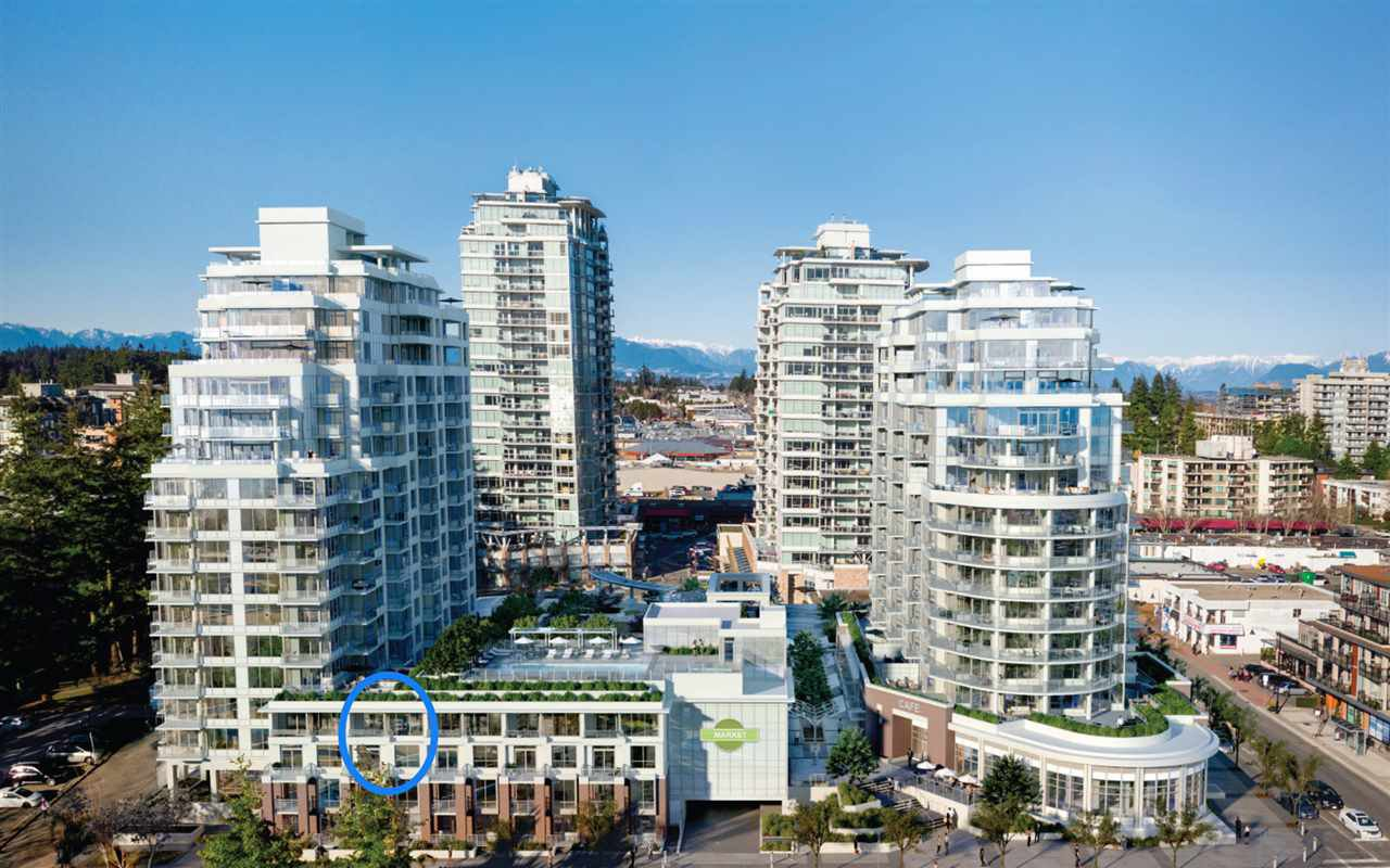 Main Photo: 311 15165 THRIFT Avenue: White Rock Townhouse for sale (South Surrey White Rock)  : MLS®# R2451066