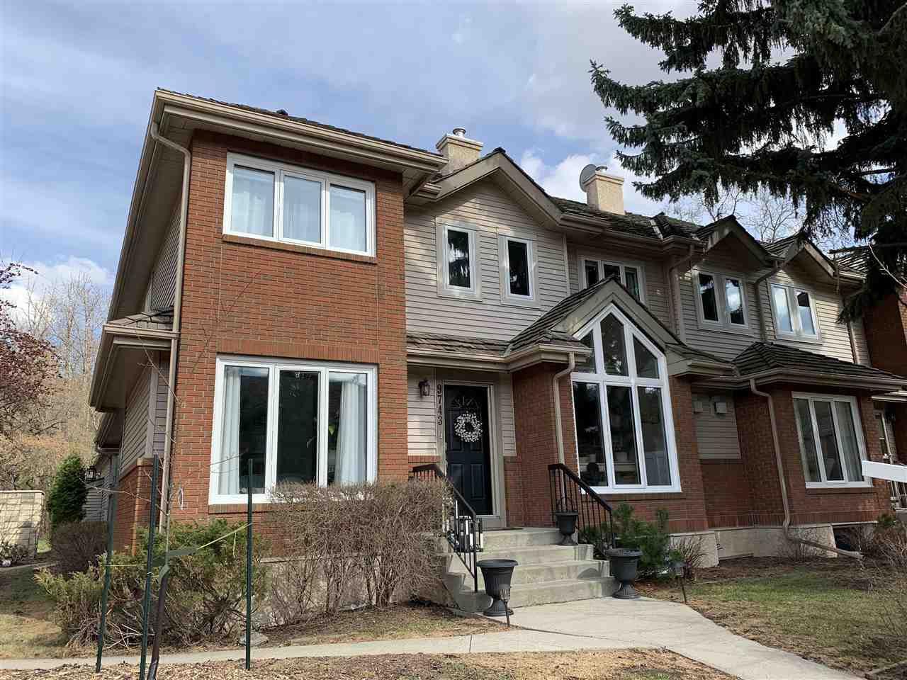 Main Photo: 9743 91 Street in Edmonton: Zone 18 Townhouse for sale : MLS®# E4195570