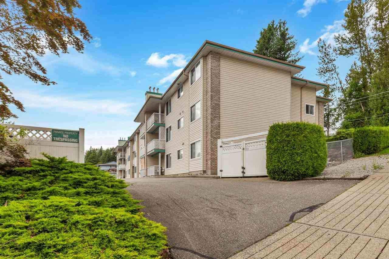 Main Photo: 304 7265 HAIG Street in Mission: Mission BC Condo for sale : MLS®# R2476532