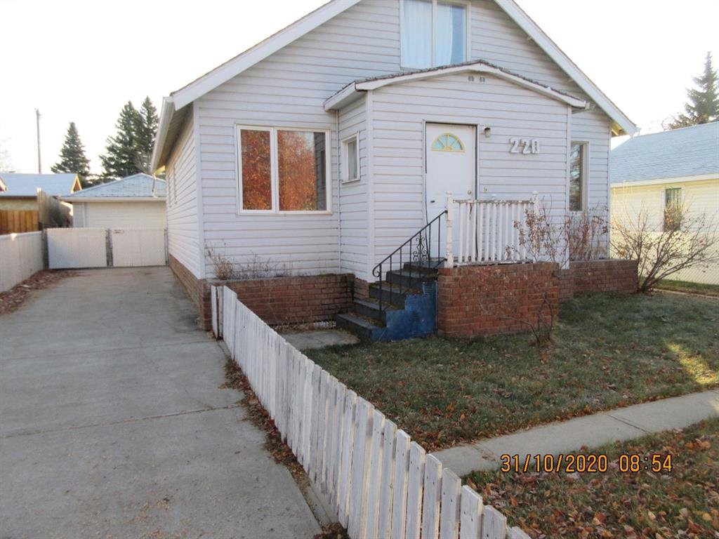 Main Photo: 220 W 5 Avenue in Three Hills: NONE Residential for sale : MLS®# A1046191