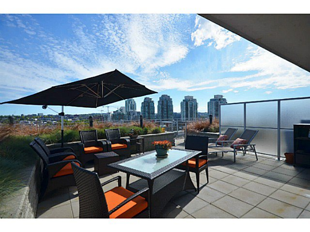 """Main Photo: 907 221 UNION Street in Vancouver: Mount Pleasant VE Condo for sale in """"V6A"""" (Vancouver East)  : MLS®# V1040906"""