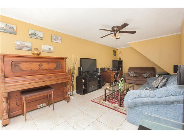 "Photo 2: Photos: 89 10200 4TH Avenue in Richmond: Steveston North Townhouse for sale in ""MANOAH VILLAGE"" : MLS®# V1124463"