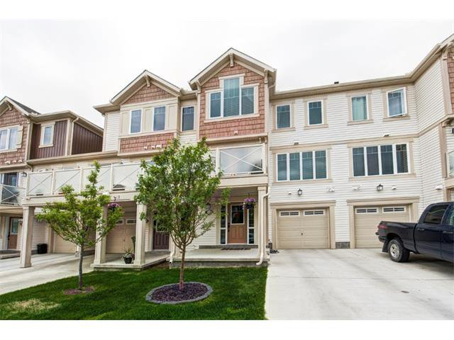 Main Photo: 113 WINDSTONE Mews SW: Airdrie House for sale : MLS®# C4016126
