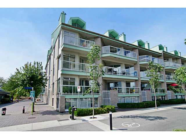 "Main Photo: 3111 33 CHESTERFIELD Place in North Vancouver: Lower Lonsdale Condo for sale in ""Harbourview Park"" : MLS®# V1134288"