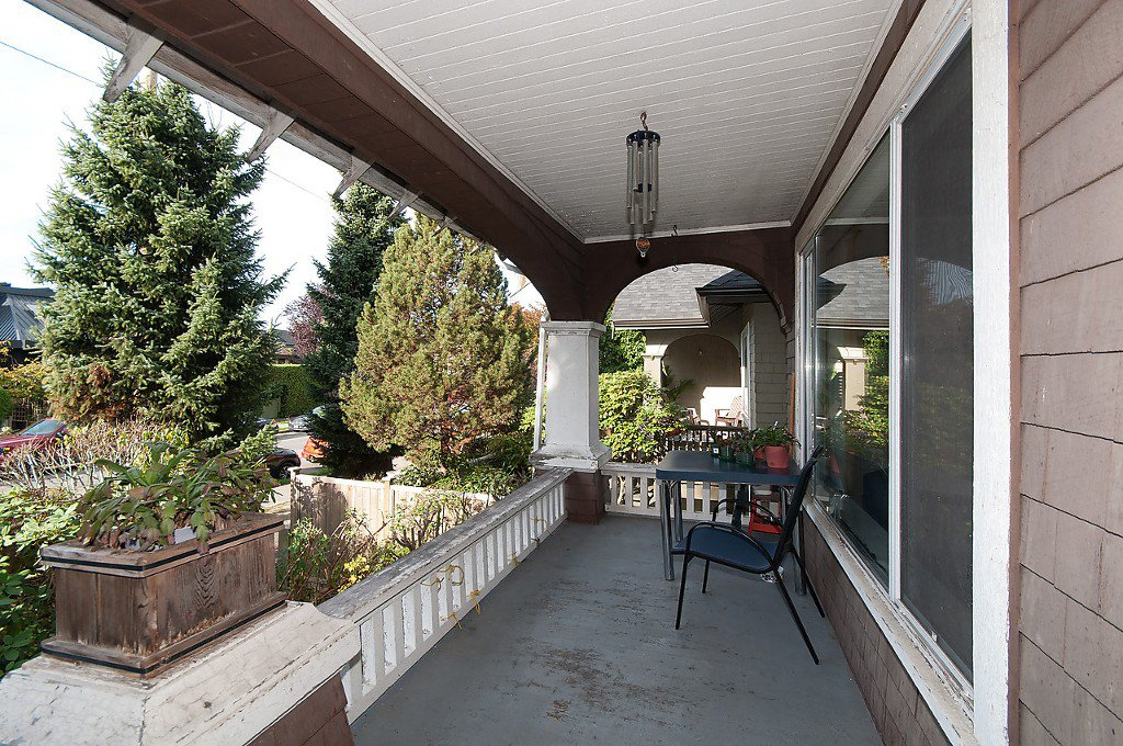 """Photo 3: Photos: 1322 MAPLE Street in Vancouver: Kitsilano House for sale in """"Kits Point"""" (Vancouver West)  : MLS®# R2011995"""