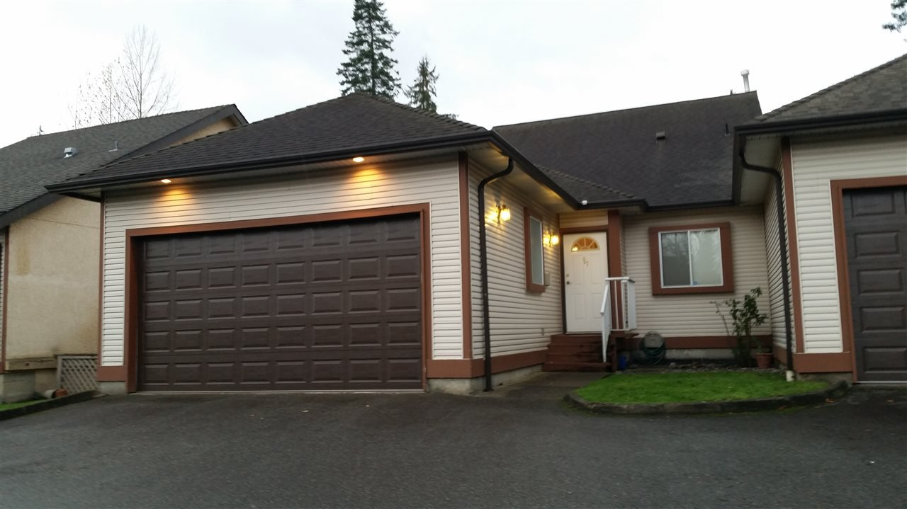 "Main Photo: 57 23151 HANEY Bypass in Maple Ridge: East Central Townhouse for sale in ""STONEHOUSE ESTATES"" : MLS®# R2015942"
