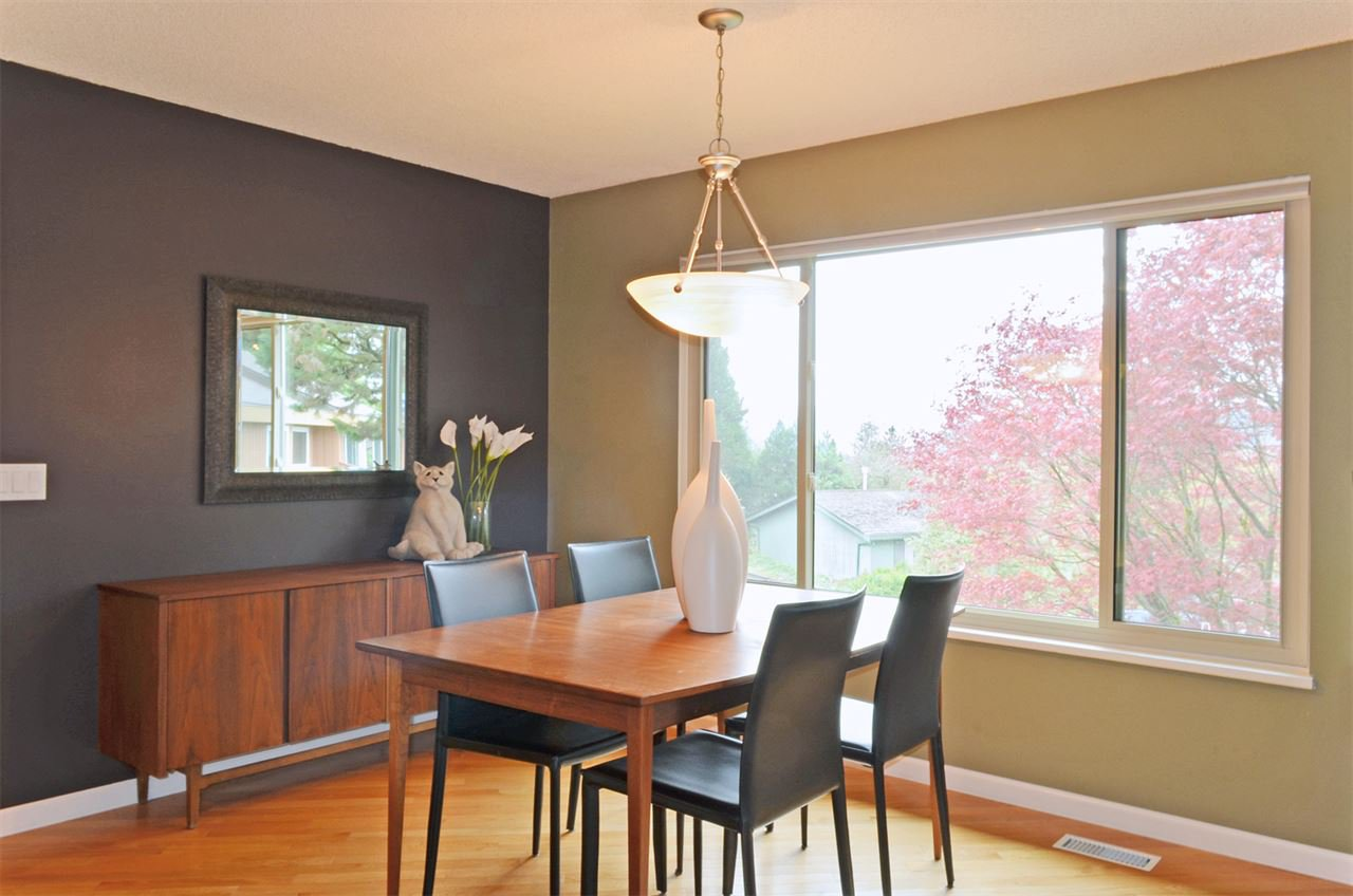 Photo 5: Photos: 3226 PINDA Drive in Port Moody: Port Moody Centre House for sale : MLS®# R2054125
