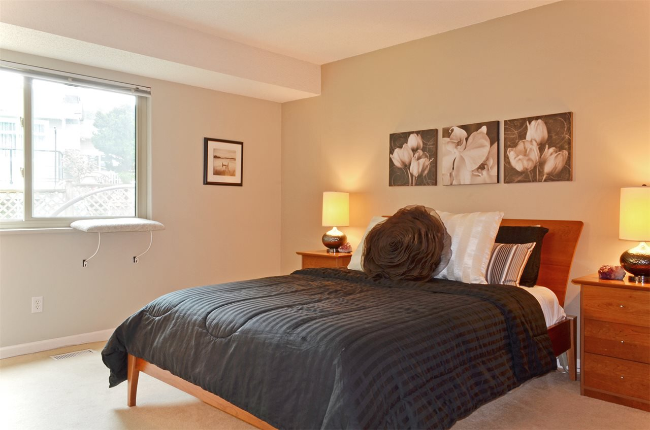 Photo 10: Photos: 3226 PINDA Drive in Port Moody: Port Moody Centre House for sale : MLS®# R2054125
