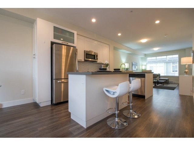 Photo 4: Photos: 28 20966 77A Avenue in Langley: Willoughby Heights Townhouse for sale : MLS®# R2053842