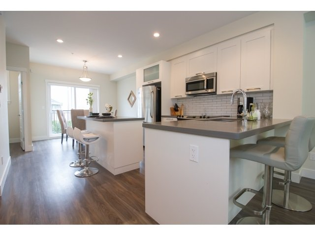 Photo 3: Photos: 28 20966 77A Avenue in Langley: Willoughby Heights Townhouse for sale : MLS®# R2053842