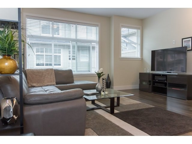 Photo 7: Photos: 28 20966 77A Avenue in Langley: Willoughby Heights Townhouse for sale : MLS®# R2053842