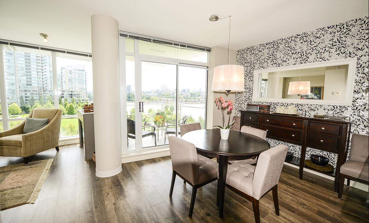 """Photo 6: Photos: 807 633 KINGHORNE Mews in Vancouver: Yaletown Condo for sale in """"Icon II"""" (Vancouver West)  : MLS®# R2083458"""