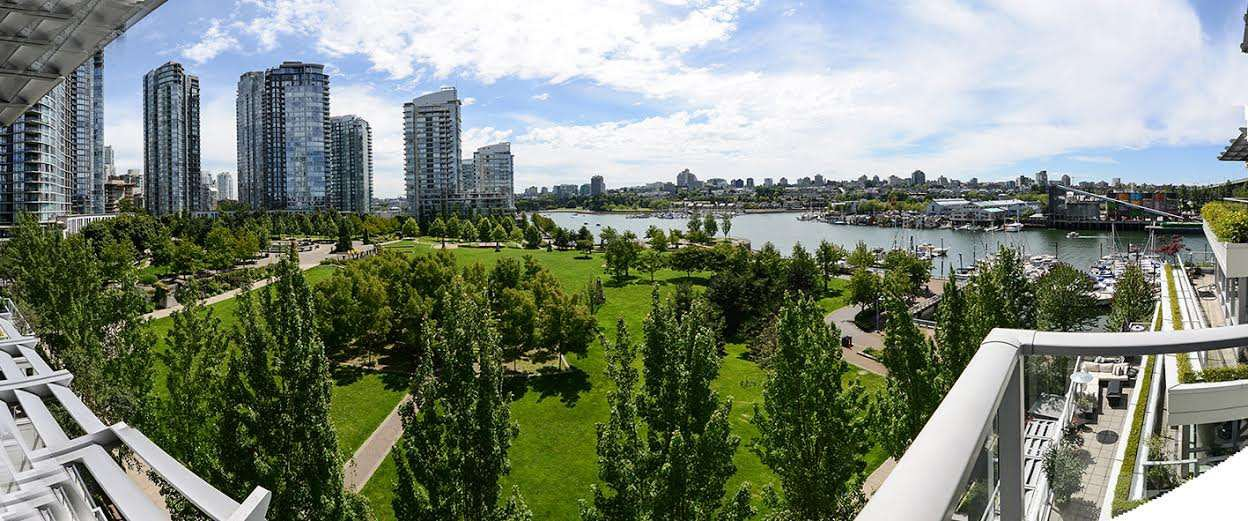 """Photo 3: Photos: 807 633 KINGHORNE Mews in Vancouver: Yaletown Condo for sale in """"Icon II"""" (Vancouver West)  : MLS®# R2083458"""