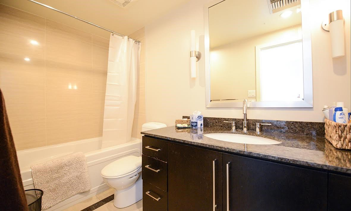 """Photo 10: Photos: 807 633 KINGHORNE Mews in Vancouver: Yaletown Condo for sale in """"Icon II"""" (Vancouver West)  : MLS®# R2083458"""
