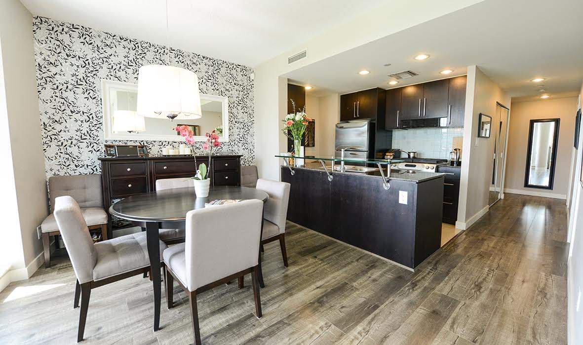 """Photo 8: Photos: 807 633 KINGHORNE Mews in Vancouver: Yaletown Condo for sale in """"Icon II"""" (Vancouver West)  : MLS®# R2083458"""