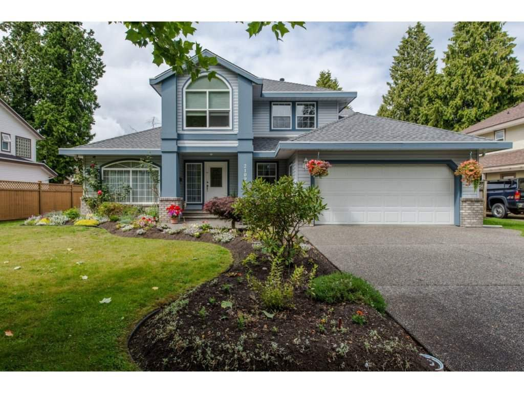 Main Photo: 21093 43 Avenue in Langley: Brookswood Langley House for sale : MLS®# R2088477