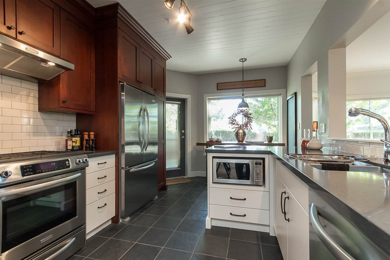 """Main Photo: 104 34101 OLD YALE Road in Abbotsford: Central Abbotsford Condo for sale in """"YALE TERRACE"""" : MLS®# R2103296"""