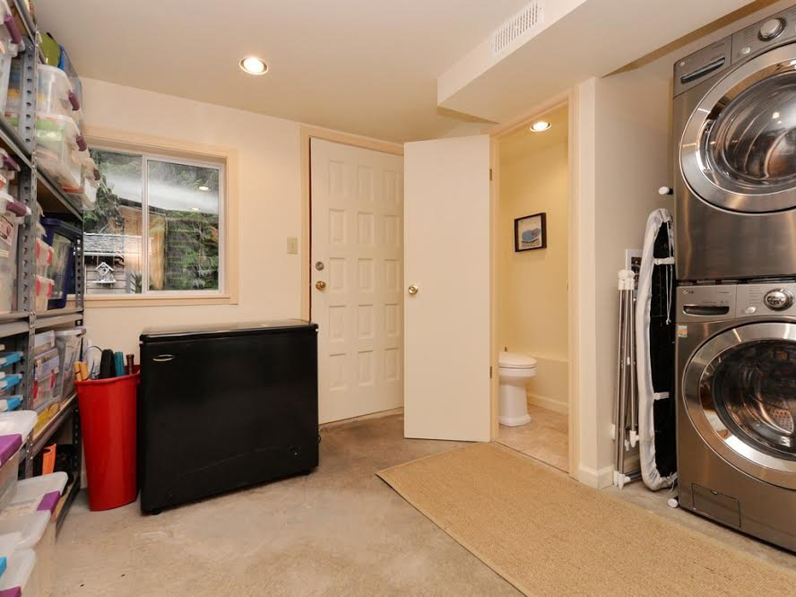 Photo 16: Photos: 1921 PARKSIDE Lane in North Vancouver: Deep Cove House for sale : MLS®# R2106158
