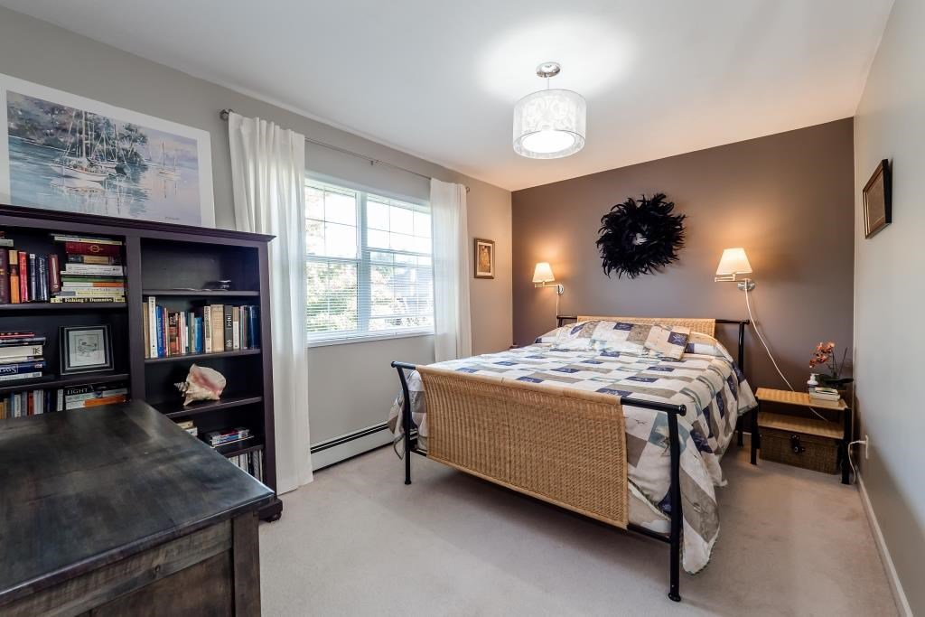 Photo 13: Photos: 823 E 6TH Street in North Vancouver: Queensbury House for sale : MLS®# R2107919