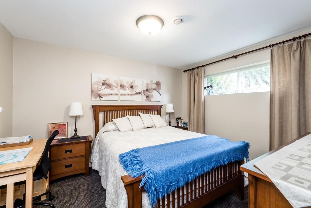 Photo 18: Photos: 823 E 6TH Street in North Vancouver: Queensbury House for sale : MLS®# R2107919