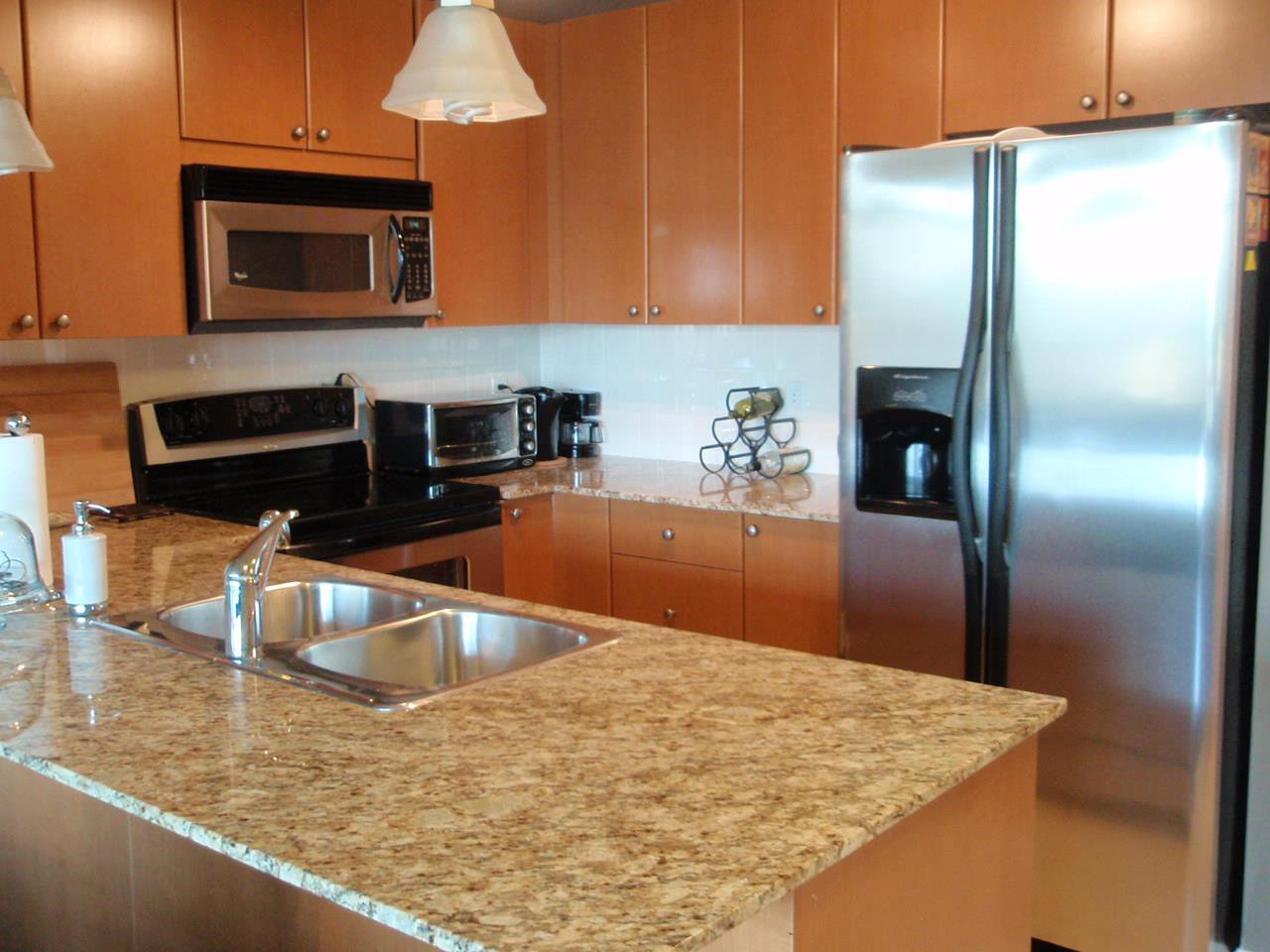 """Photo 3: Photos: 503 610 VICTORIA Street in New Westminster: Downtown NW Condo for sale in """"THE POINT"""" : MLS®# R2127407"""
