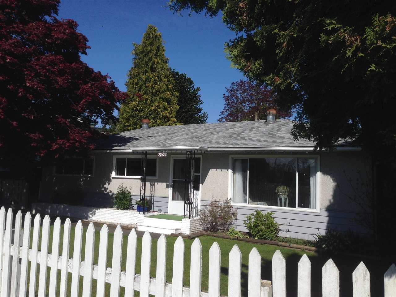 """Main Photo: 5424 207 Street in Langley: Langley City House for sale in """"LANGLEY CITY"""" : MLS®# R2164958"""