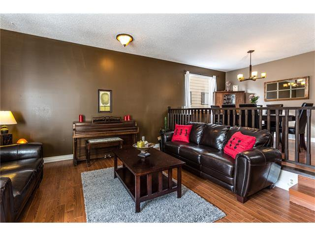 Photo 8: Photos: 3112 107 Avenue SW in Calgary: Cedarbrae House for sale : MLS®# C4117087