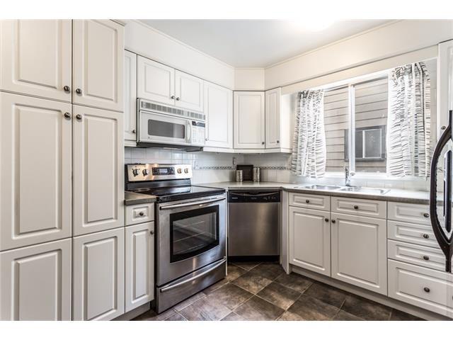 Photo 9: Photos: 3112 107 Avenue SW in Calgary: Cedarbrae House for sale : MLS®# C4117087