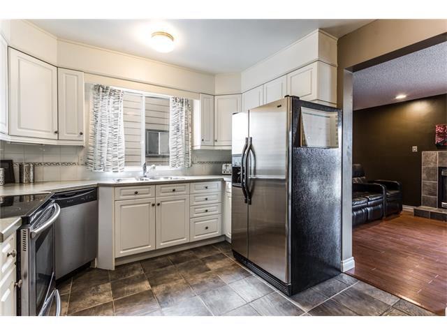 Photo 11: Photos: 3112 107 Avenue SW in Calgary: Cedarbrae House for sale : MLS®# C4117087