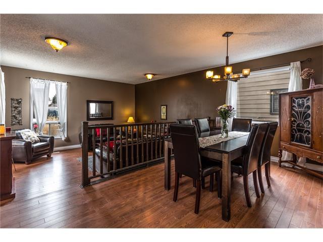 Photo 5: Photos: 3112 107 Avenue SW in Calgary: Cedarbrae House for sale : MLS®# C4117087