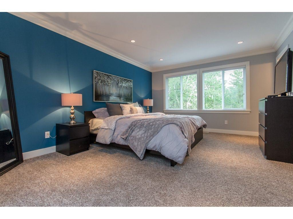 """Photo 12: Photos: 35942 EMILY CARR Crescent in Abbotsford: Abbotsford East House for sale in """"AUGUSTON"""" : MLS®# R2170445"""