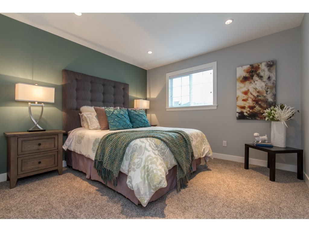"""Photo 14: Photos: 35942 EMILY CARR Crescent in Abbotsford: Abbotsford East House for sale in """"AUGUSTON"""" : MLS®# R2170445"""